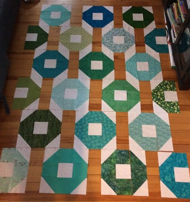 Gree shoo fly quilt