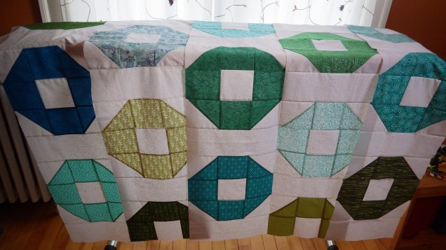Green shoo fly quilt rows
